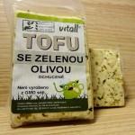 Tofu se zelenou olivou